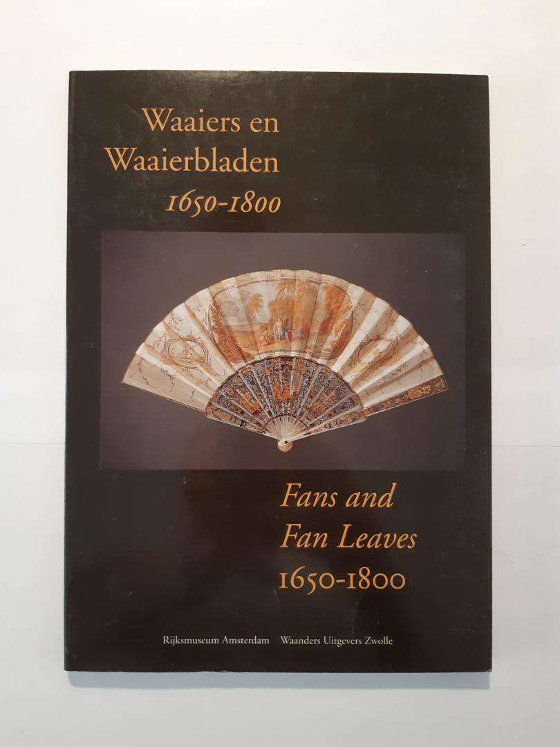 Mortier, Bianca M. du - Waaiers en waaierbladen 1650-1800 = Fans and fan leaves 1650-1800