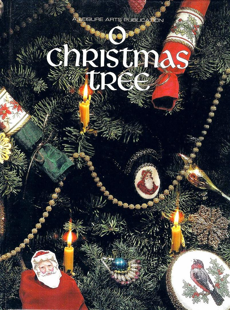 Leisure . [ ISBN 9780942237153 ] 5006 - O  Christmas  Tree . ( Kruissteken . Chross - Stitch . ) Book 4 of the Christmas Remembered Series of books of cross stitch patterns by Leisure Arts. -