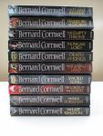 Bernard Cornwell - The Last Kingdom - Deel 1 t/m 10 - 1. The Last Kingdom 2. The Pale Horseman 3. The Lords of the North 4. Sword Song 5. The Burning Land 6. Death of Kings 7. The Pagan Lord 8. The Empty Throne 9. Warriors of the Storm 10 . The Flame Bearer