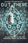 Spierenburg, Manon - De kristallen sleutel Out there
